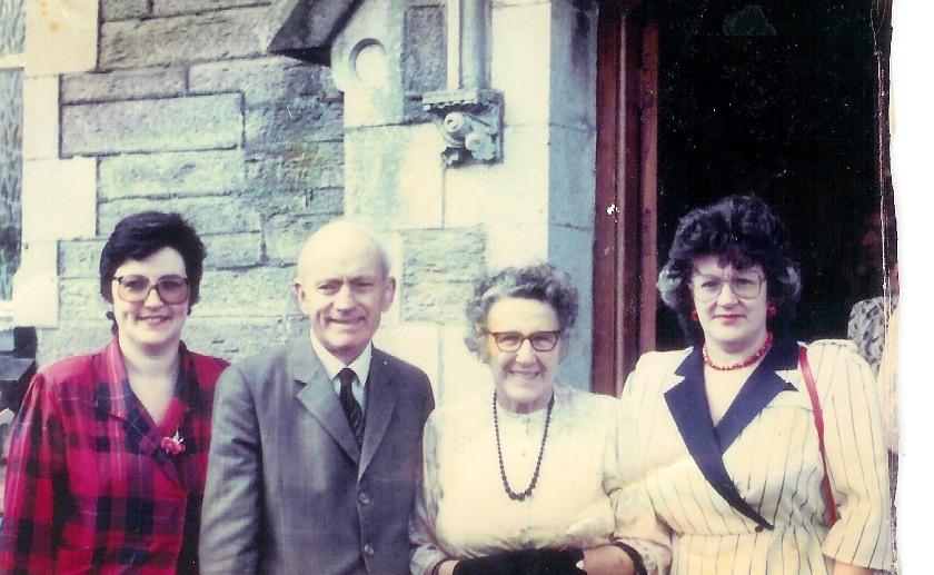 Alvara, Dafydd a Lydia Williams a Sharon